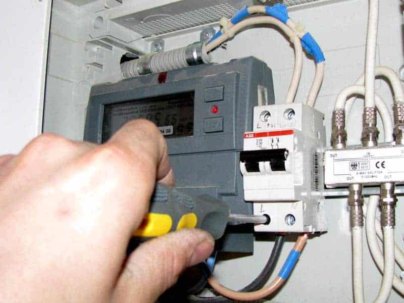 Как отремонтировать электропроводку